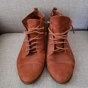 Vintage Connie Lace up Leather Bootie